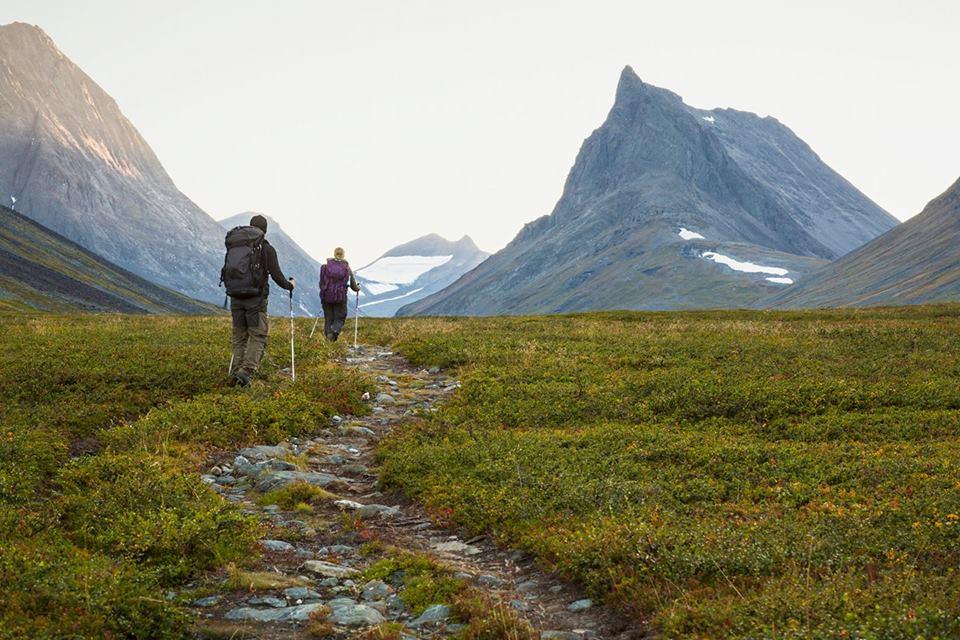 """""""Miłość od pierwszego kroku"""" czyli opowieść o magii skandynawskiej przyrody"""