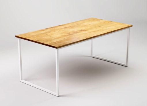 Stół do jadalni SFD - Basic TRE. Stół z blatem dębowym ma ramę stalową o prostej, lekkiej formie. Dzięki zastosowanym rozwiązaniom konstrukcyjnym liczba profili stalowych zredukowana została do minimum, co zapewnia mu oryginalny wygląd oraz warunkuje jego większą funkcjonalność.